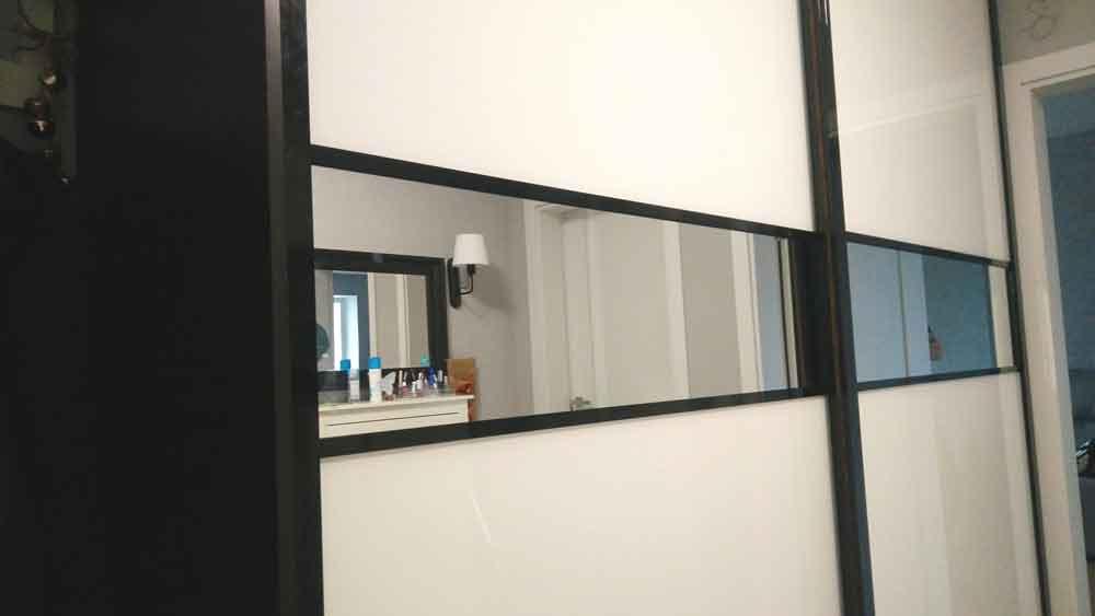 Зеркальная дверь для шкафа-купе